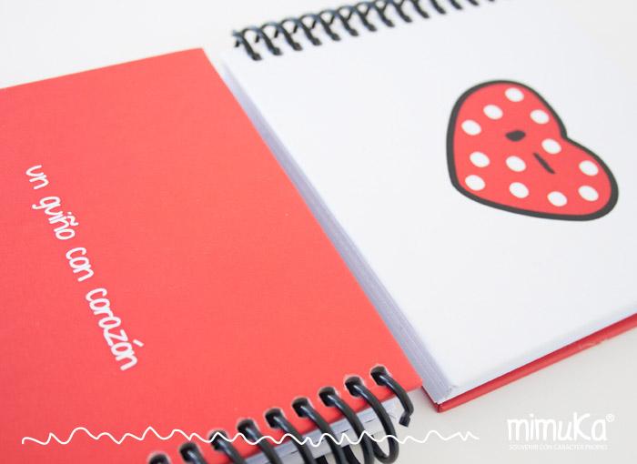 cuaderno guiño con corazon